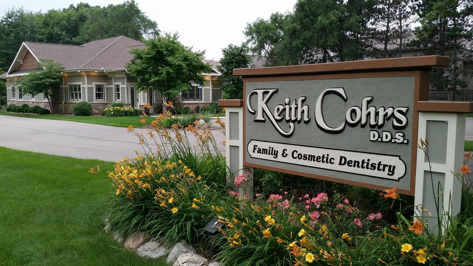Dentist in Portage, MI